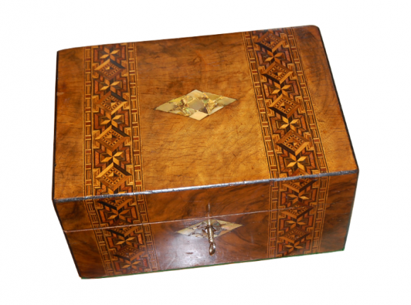 Box with mother of pearl inlay